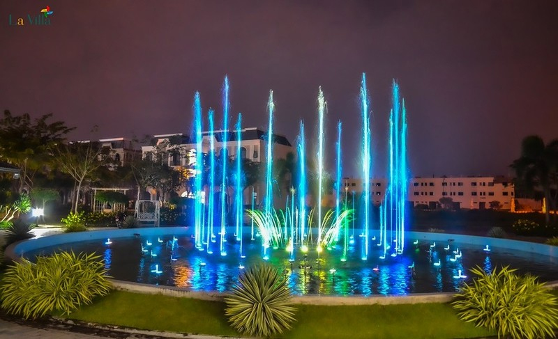 quang-truong-nhac-nuoc-tai-du-an--la-villa-green-city